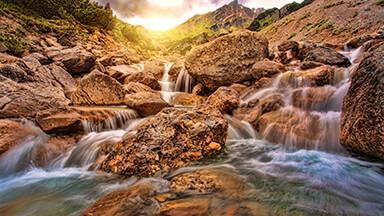 Amazing Waters Google Background