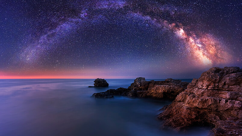 Milky Way Over The Sea Chromebook Wallpaper ...