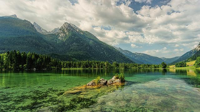 Hintersee Mountains - 4K Wallpaper