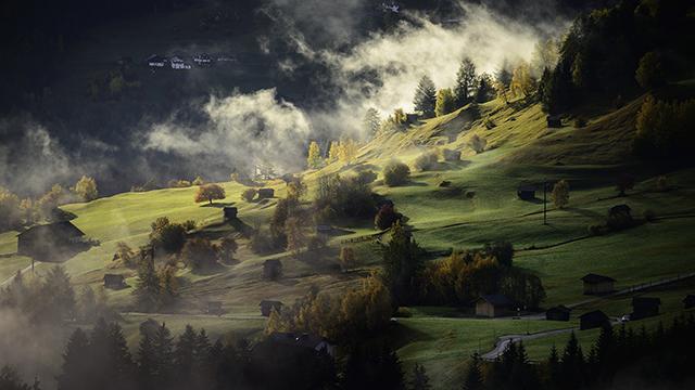 Valley Landscape - 4K Wallpaper