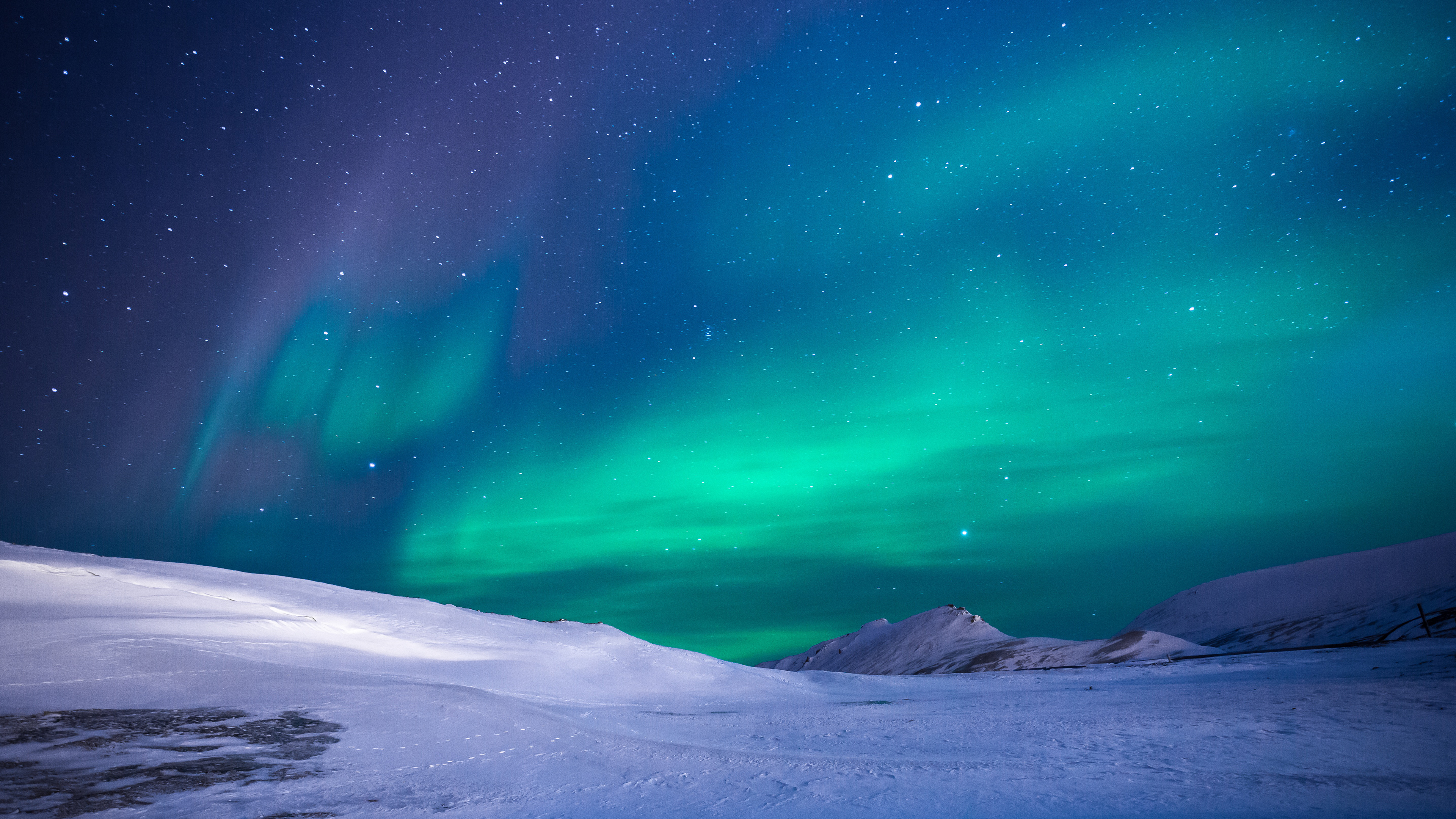 Free Aurora ChromeBook Wallpaper Ready For Download