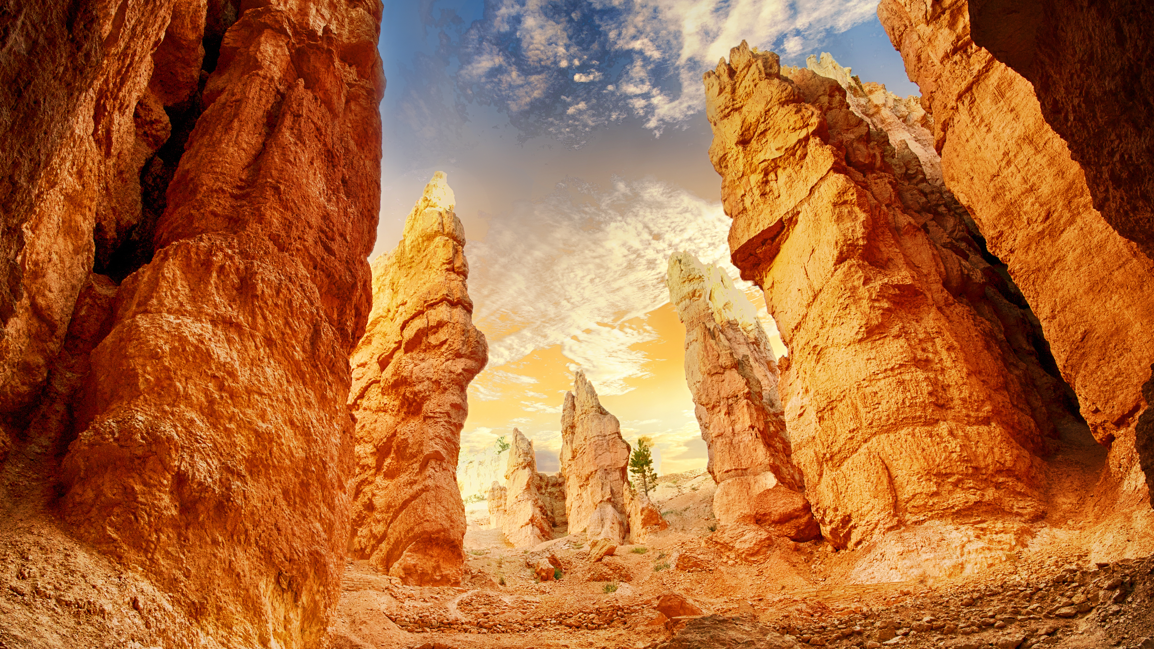 Canyon Rock Chromebook Wallpaper